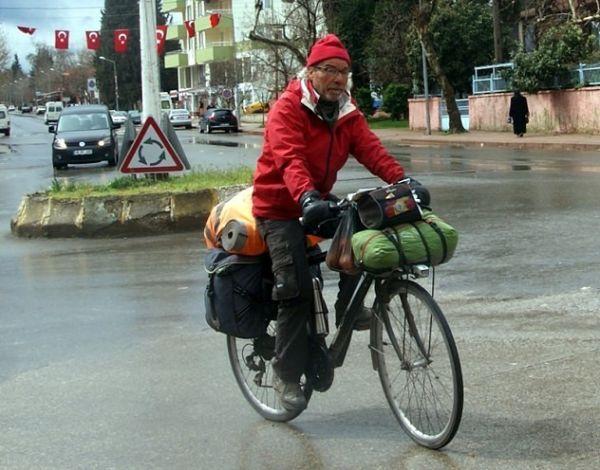 Penzioner iz Španije nastavlja put oko svijeta biciklom