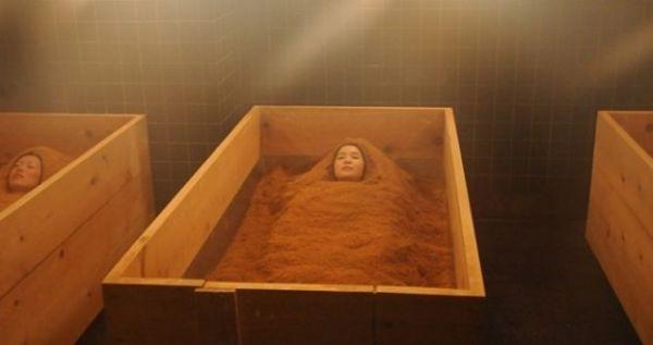 Neobični kozmetički tretman: Kupanje u piljevini