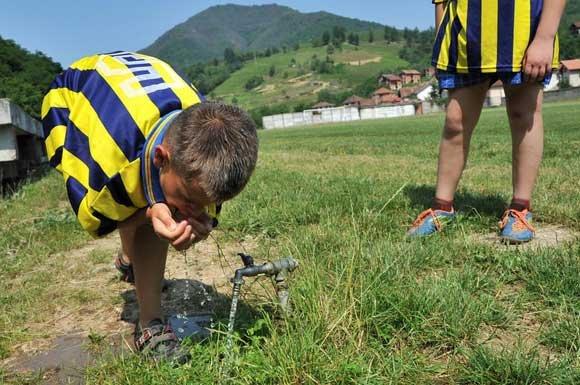 FOTO: Mladi fudbaleri ujedinjeni u Srebrenici
