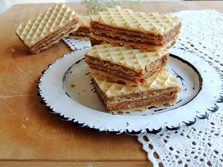 Oblatna s keksom i orasima