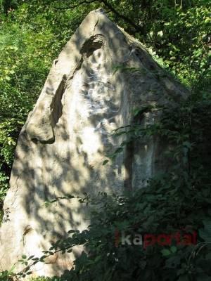 Vilin kamen: Stećak ili čudo prirode u okolini Kaknja
