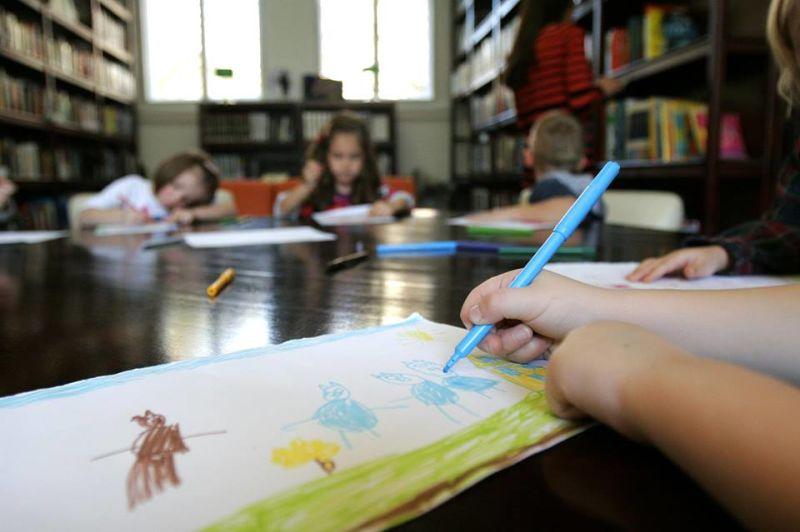 Pazi knjiga: Djeca crtaju ljubav