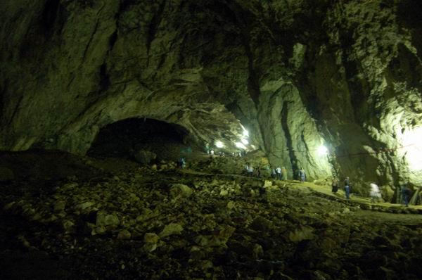 Djevojačka Pećina Kod Kladnja