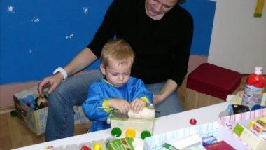 Kreativni roditelji za kreativnu djecu: Napravite autić brm brm