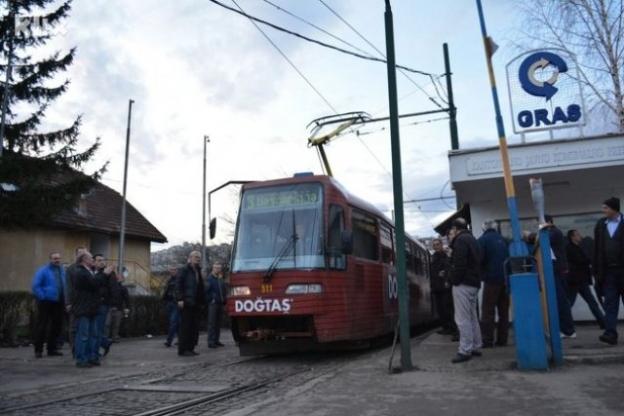 Tramvaj u bojama reprezentacije BiH danas na šinama