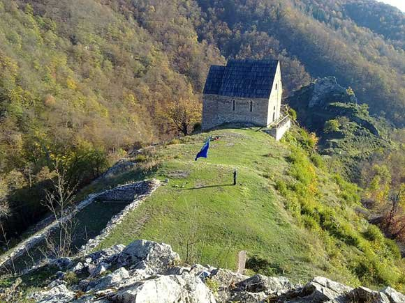 Nakon 550 godina bosanska kraljevska zastava ponovo na Bobovcu