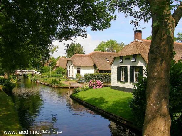 Bajkovito selo u Holandiji sa romantičnim kanalima umjesto puteva