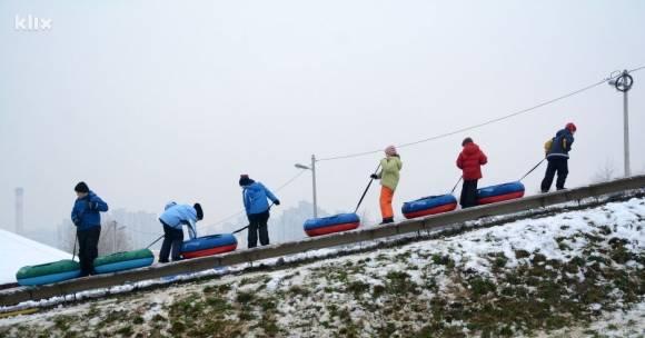 Radost za najmlađe: Otvorena tubing staza na Mojmilu u Sarajevu