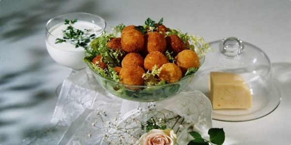 Zlatne kuglice od sira