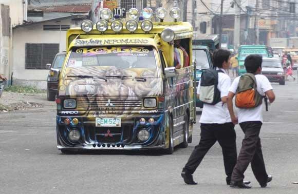 Cebu, jedan od najstarijih filipinskih gradova: 'Sivi grad' krase šarena vozila javnog prijevoza