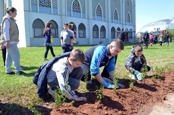 Obale Miljacke: Učenici i profesionalci u akciji čišćenja