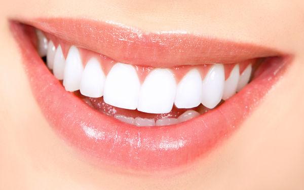 Prirodno sredstvo za bijele zube: Zadržate blistav osmijeh