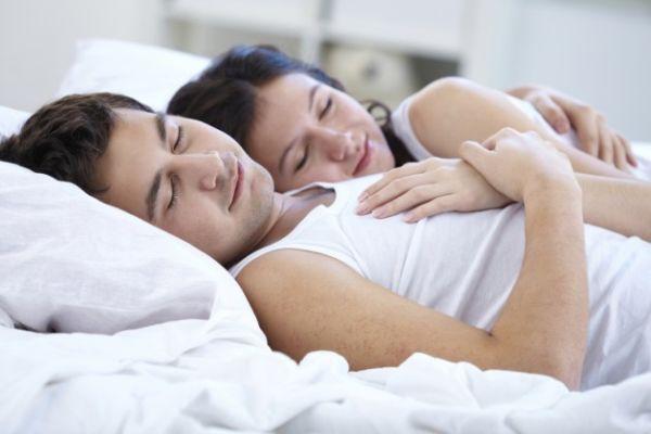 Trebate biti sretni jer je blizak fizički kontakt dok spavate znak sretne veze