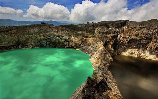 Vulkan Kelimutu i tri kraterska jezera koja mijenjaju boje, Indonezija