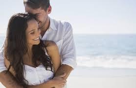 Nevjerojatna stvar koja se događa kada muškarac grli ženu…