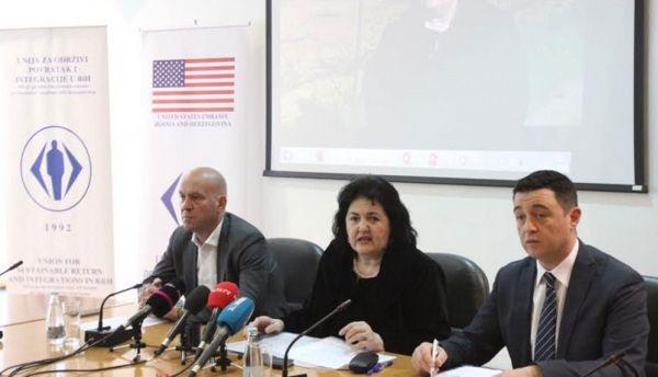 Fabrika eteričnih ulja u Ljubinju očekuje saradnju sa 1.000 kooperanata