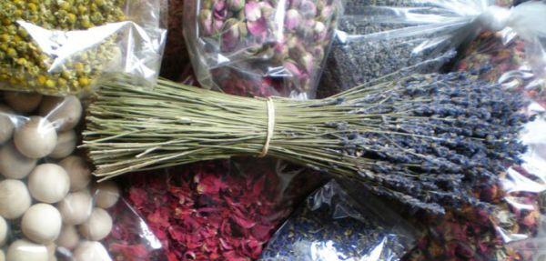 Šest načina da vam kuća fantastično i prirodno miriše za blagdane