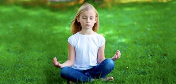 Četri načina da djeca počnu meditirati